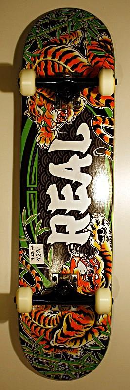 Real Skateboards Komplettboard 7.625
